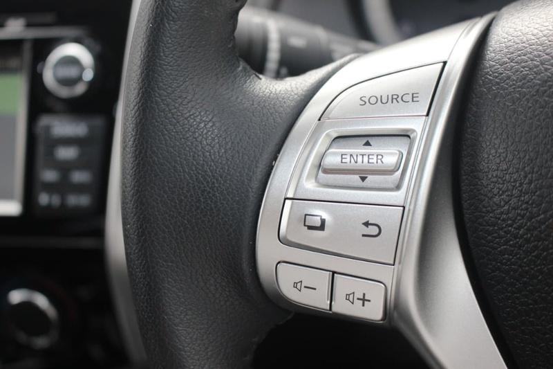 NISSAN NAVARA ST D23 Series 3 ST Utility Dual Cab 4dr Spts Auto 7sp 4x4 2.3DTT