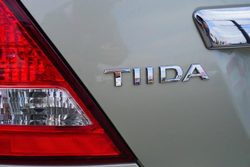 NISSAN TIIDA ST-L C11 ST-L Sedan 4dr Man 6sp 1.8i [MY07]