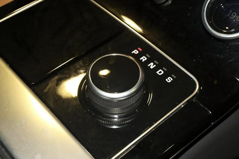 LAND ROVER RANGE ROVER VELAR P250 L560 P250 R-Dynamic SE Wagon 5dr Spts Auto 8sp AWD 2.0T [MY18]
