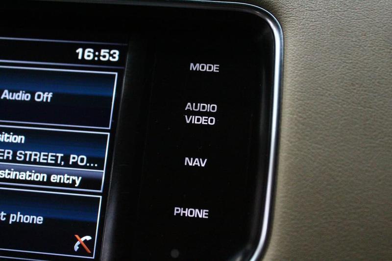 LAND ROVER RANGE ROVER SPORT TDV6 L494 TDV6 SE Wagon 5dr CommandShift 8sp 4x4 3.0DT [MY15.5]