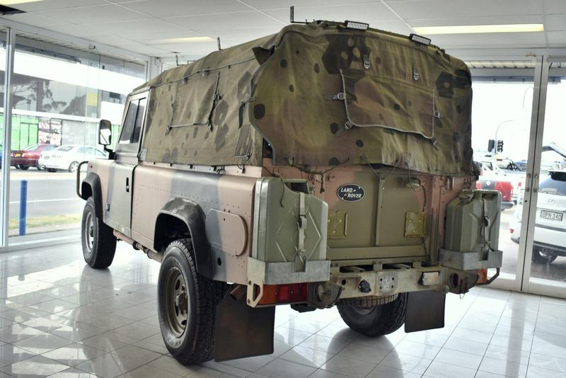 LAND ROVER 110  Cab Chassis Single Cab 2dr Man 5sp 4x4 3.9D