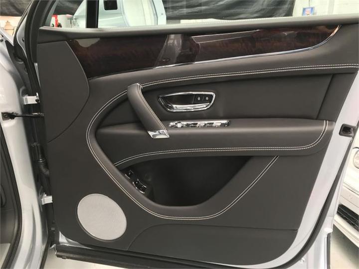 BENTLEY BENTAYGA  4V Wagon 5dr Spts Auto 8sp AWD 4.0TT (5-st) [MY19]