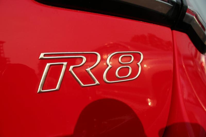 HOLDEN SPECIAL VEHICLES CLUBSPORT R8 GEN-F R8 Sedan 4dr Man 6sp 6.2i [MY14]