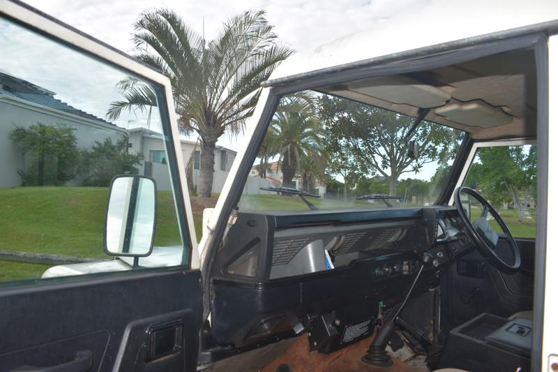 LAND ROVER 110 County County Wagon 10st 5dr Man 4sp 4x4 3.5