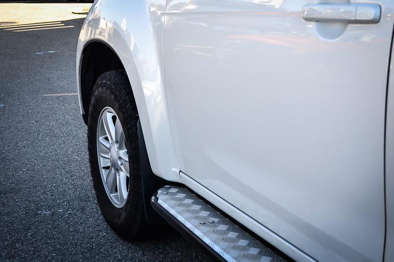 ISUZU MU-X LS-T LS-T Wagon 7st 5dr Rev-Tronic 5sp 4x2 3.0DT (Oct) [MY15]