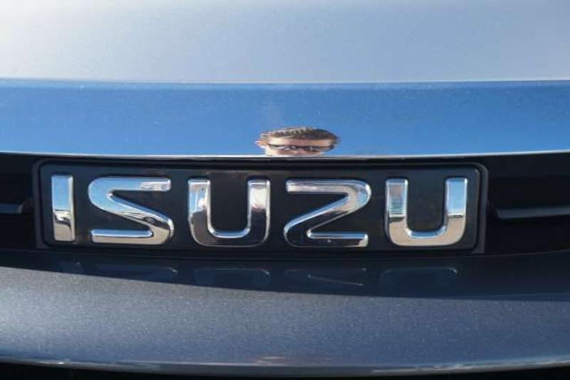 ISUZU MU-X