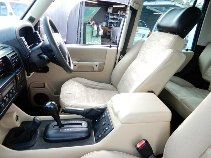 LAND ROVER DISCOVERY  Wagon 5dr Auto 4sp 4x4 4.0i [MY03]