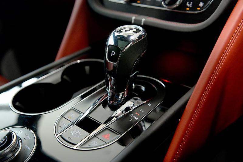 BENTLEY BENTAYGA  4V Wagon 5dr Spts Auto 8sp AWD 4.0DTT (5-st) [MY18]