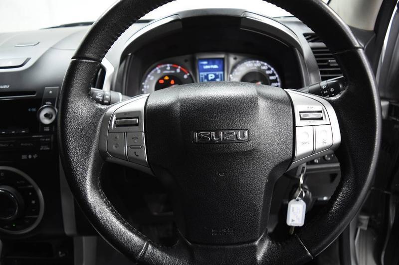 ISUZU MU-X LS-U LS-U Wagon 7st 5dr Rev-Tronic 5sp 4x2 3.0DT [MY15]