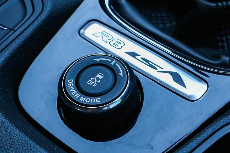 HOLDEN SPECIAL VEHICLES CLUBSPORT R8 GEN-F2 R8 LSA Sedan 4dr Man 6sp 6.2SC [MY16]