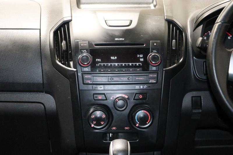 ISUZU D-MAX SX SX High Ride Utility Crew Cab 4dr Spts Auto 5sp 4x2 3.0DT [MY15]