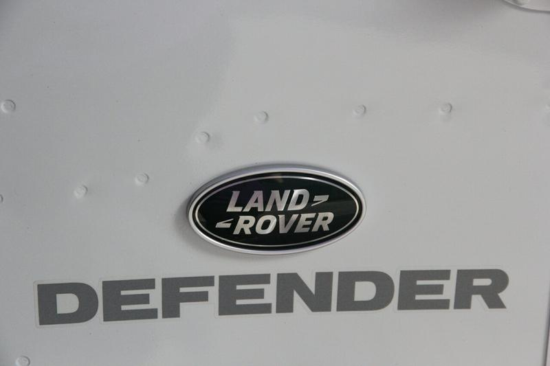 LAND ROVER DEFENDER  110 Wagon 5dr Man 6sp 4x4 2.2DT [MY15]