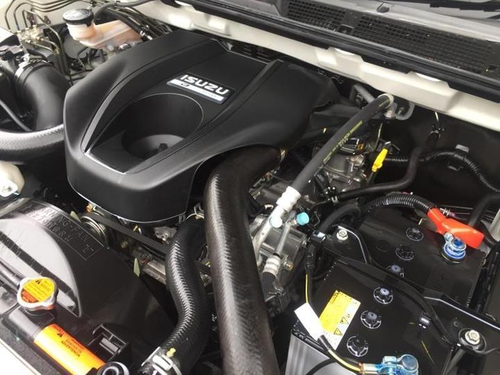 ISUZU D-MAX SX SX High Ride Utility Space Cab 4dr Spts Auto 5sp 4x2 3.0DT [MY15.5]