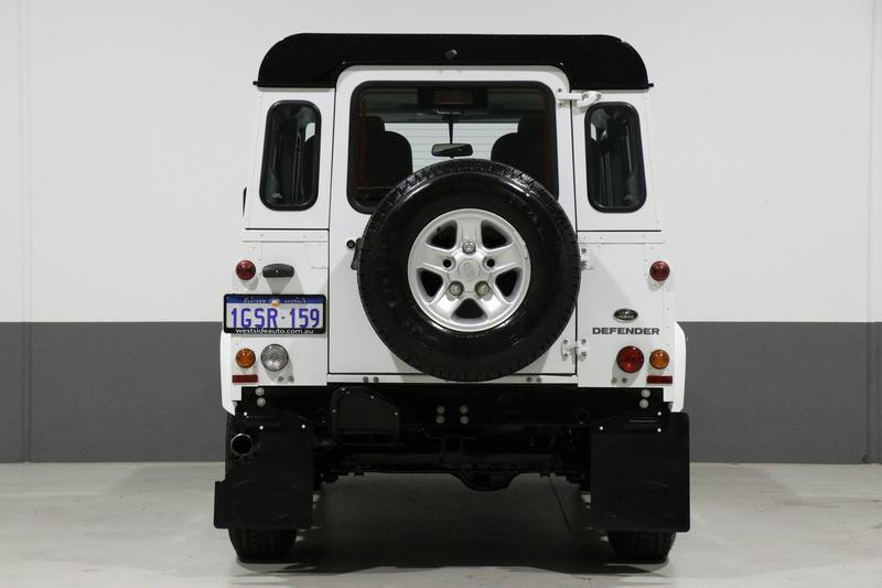 LAND ROVER DEFENDER  90 Wagon 3dr Man 6sp 4x4 2.2DT [MY14]