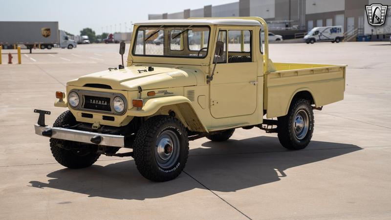 1973 TOYOTA FJ45 3 Speed Manual