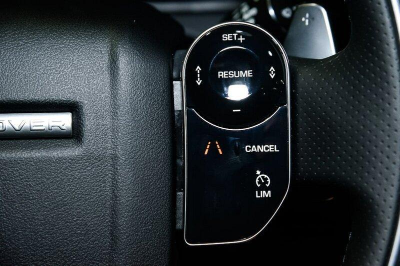LAND ROVER RANGE ROVER VELAR P300 L560 P300 R-Dynamic SE Wagon 5dr Spts Auto 8sp AWD 2.0T [MY18]