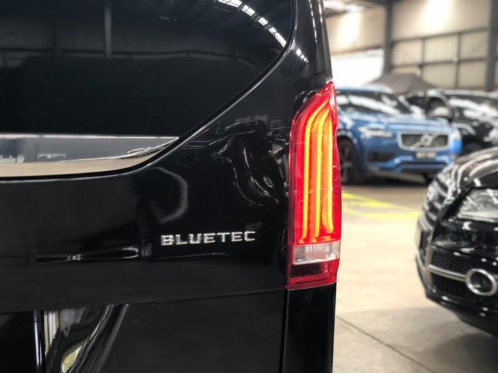MERCEDES-BENZ V250 BlueTEC 447 BlueTEC Avantgarde Wagon 7st 5dr 7G-TRONIC + 7sp 2.1DTT [May]