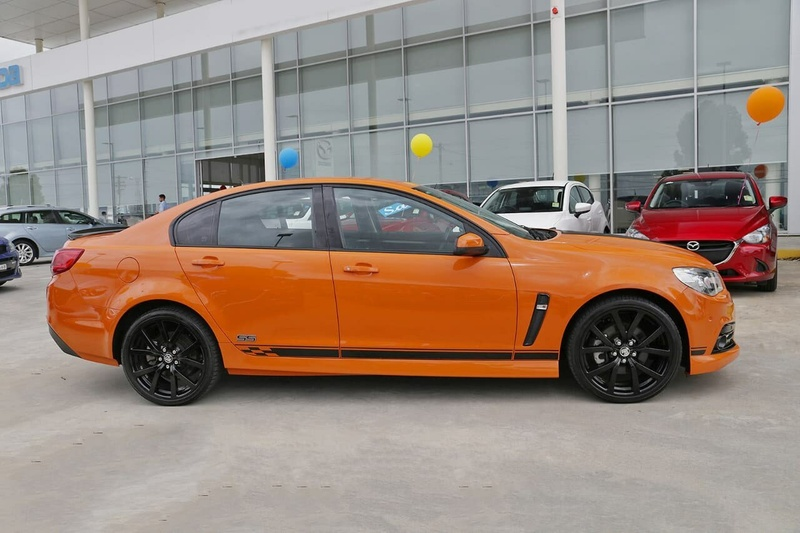 HOLDEN COMMODORE SS VF SS Storm Sedan 4dr Man 6sp 6.0i [MY14]