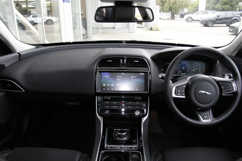 JAGUAR XE 25t X760 25t R-Sport Sedan 4dr Spts Auto 8sp 2.0T [MY18]