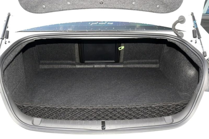 HOLDEN SPECIAL VEHICLES CLUBSPORT R8 GEN-F2 R8 SV Black Sedan 4dr Man 6sp 6.2i [MY16]