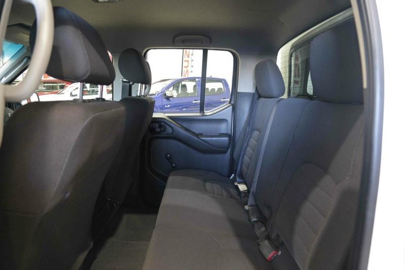 NISSAN NAVARA RX D40 RX Utility Dual Cab 4dr Auto 5sp 4x4 2.5DT