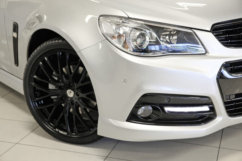 HOLDEN COMMODORE SS VF SS Storm Sedan 4dr Spts Auto 6sp 6.0i [MY15]