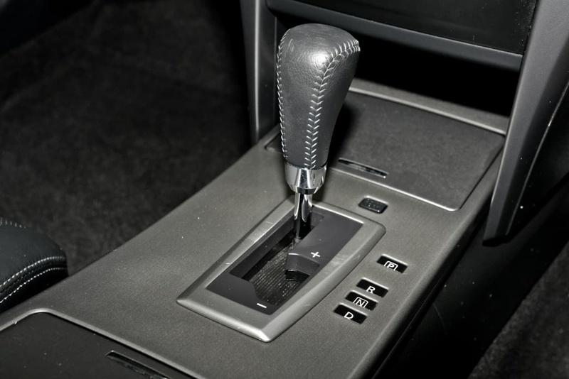 NISSAN MAXIMA 250 J32 250 ST-L Sedan 4dr X-tronic 6sp 2.5i