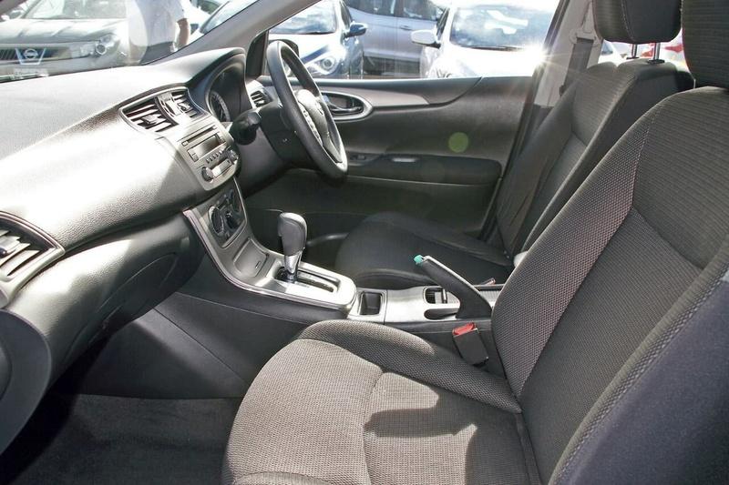NISSAN PULSAR ST C12 ST Hatchback 5dr CVT 1sp 1.8i