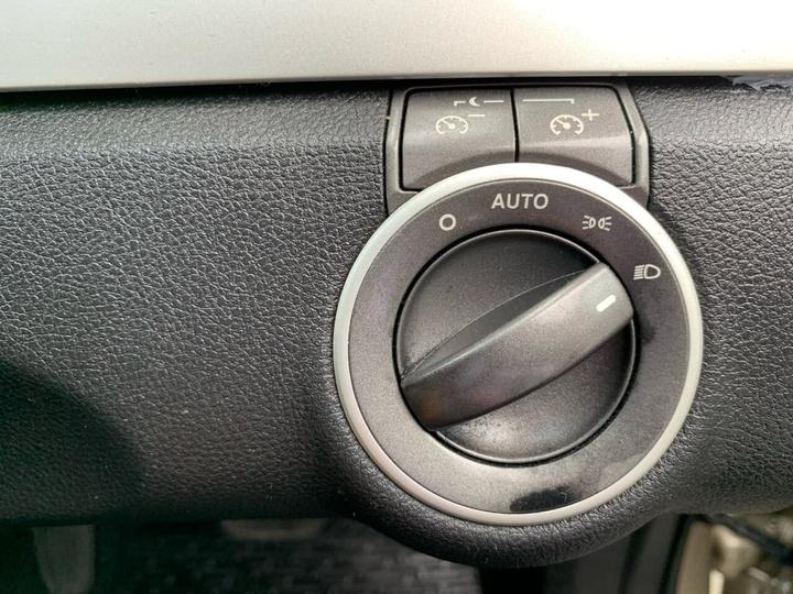 HOLDEN COMMODORE Lumina VE Lumina Sedan 4dr Auto 4sp 3.6i
