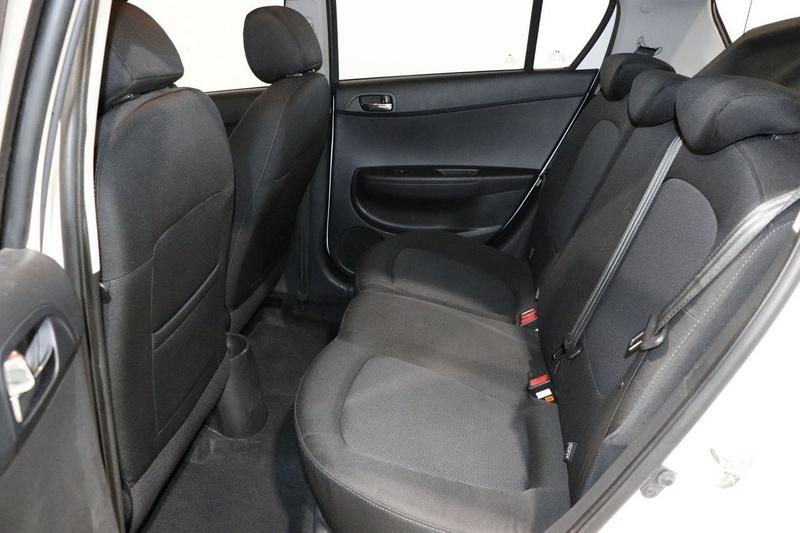 HYUNDAI I20 Active PB Active Hatchback 5dr Man 5sp 1.4i [MY12]