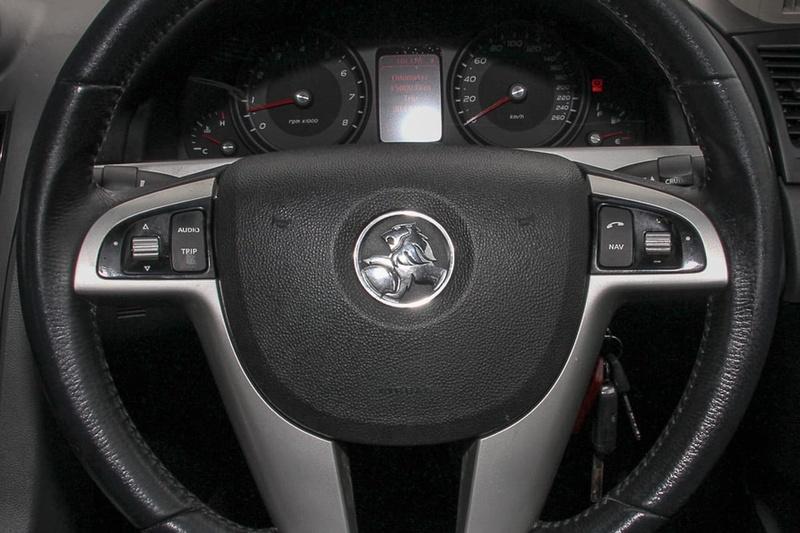 HOLDEN COMMODORE SV6 VE Series II SV6 Sportwagon 5dr Spts Auto 6sp 3.6i