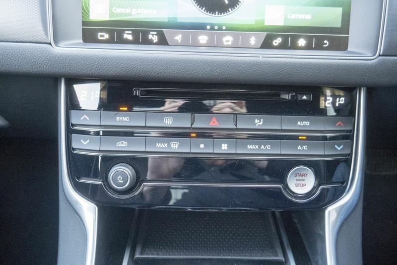 JAGUAR XF 20d X260 20d R-Sport Sedan 4dr Spts Auto 8sp 2.0DT [MY17]
