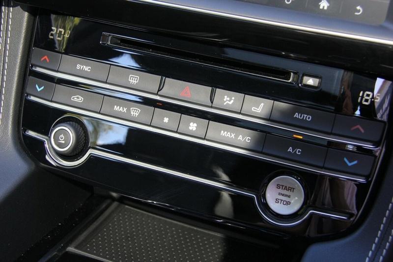 JAGUAR F-PACE 30d X761 30d S Wagon 5dr Spts Auto 8sp AWD 3.0DTT [MY19]