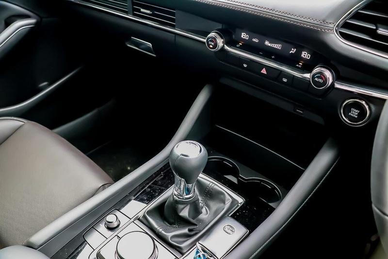 MAZDA 3 G20 BP Series G20 Touring Hatchback 5dr SKYACTIV-MT 6sp 2.0i [Jan]