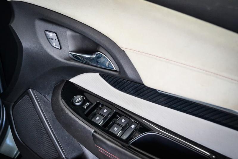 HOLDEN COMMODORE SS V VF SS V Sportwagon 5dr Spts Auto 6sp 6.0i [MY14]