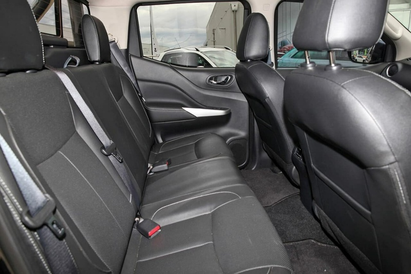 NISSAN NAVARA ST-X D23 Series 2 ST-X Utility Dual Cab 4dr Man 6sp 4x4 2.3DTT