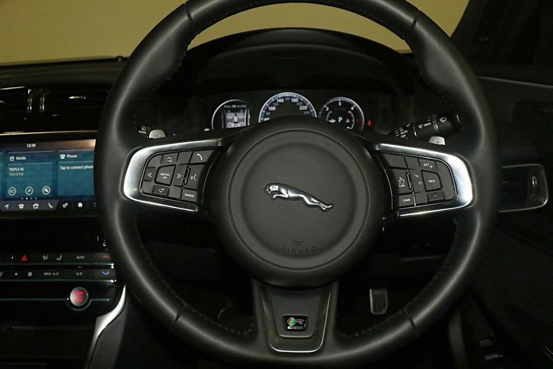 JAGUAR XE 20d X760 20d R-Sport Sedan 4dr Spts Auto 8sp 2.0DT [MY19]