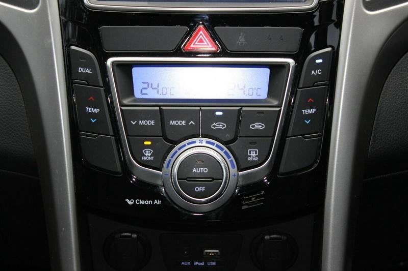 HYUNDAI I30 SR GD3 Series II SR Hatchback 5dr Man 6sp 2.0i [MY16]