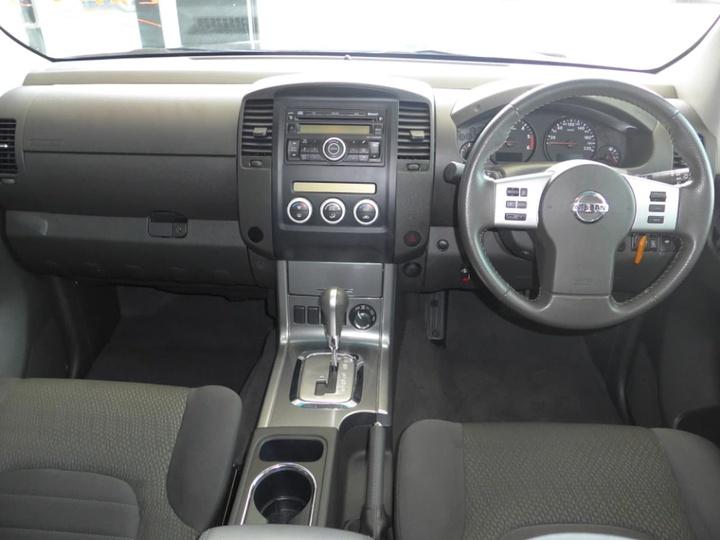 NISSAN NAVARA ST-X D40 ST-X Utility Dual Cab 4dr Auto 5sp 4x4 2.5DT [MY10]