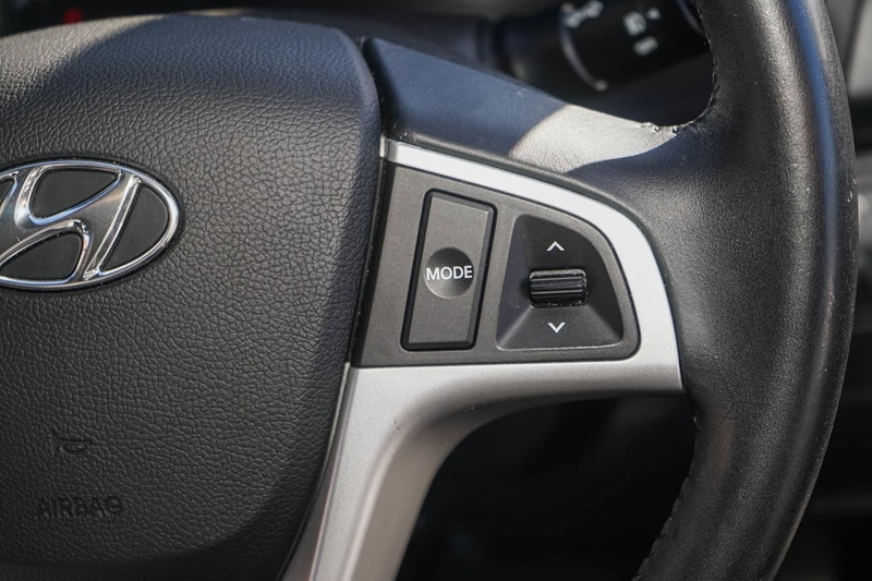 HYUNDAI ACCENT Premium RB Premium Hatchback 5dr Spts Auto 4sp 1.6i