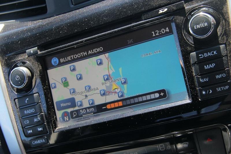 NISSAN NAVARA ST-X D23 ST-X Utility Dual Cab 4dr Man 6sp 4x4 2.3DTT [Mar]