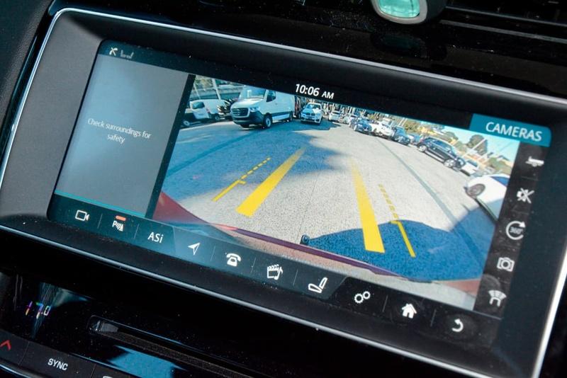 JAGUAR F-PACE 30d X761 30d Portfolio Wagon 5dr Spts Auto 8sp AWD 3.0DTT [MY17]