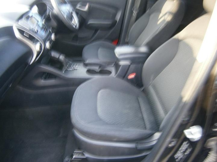 HYUNDAI IX35 Active LM Active Wagon 5dr Spts Auto 6sp 2.0i [MY11]