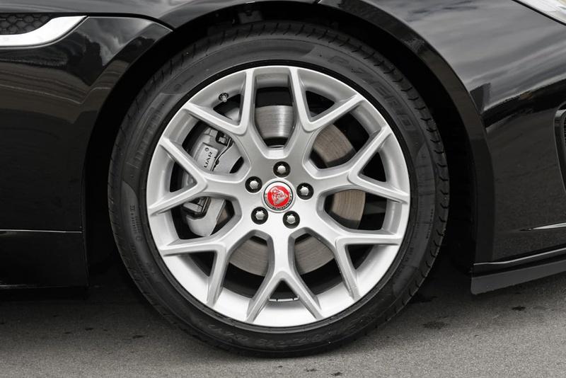 JAGUAR F-TYPE R-Dynamic X152 R-Dynamic 250kW Coupe 2dr Quickshift 8sp RWD 3.0SC [MY18]