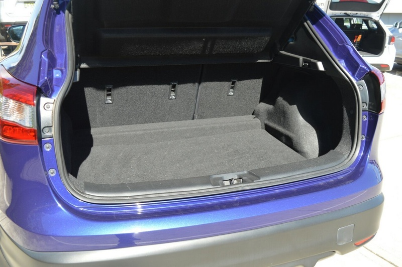 NISSAN QASHQAI ST J11 ST Wagon 5dr CVT 1sp 2.0i [Jun]