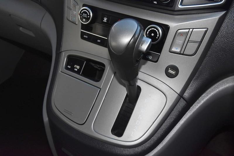 HYUNDAI IMAX  TQ-W Wagon 8st 5dr Auto 4sp 2.4i [MY15]
