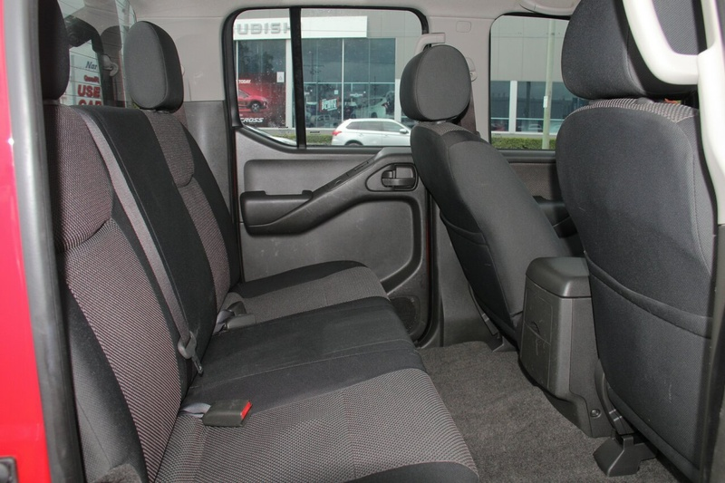 NISSAN NAVARA Silverline D40 Series 9 Silverline SE Utility Dual Cab 4dr Man 6sp 4x4 2.5DT
