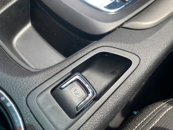 HOLDEN COMMODORE Evoke VF Evoke Sedan 4dr Spts Auto 6sp 3.6Gi [MY15]