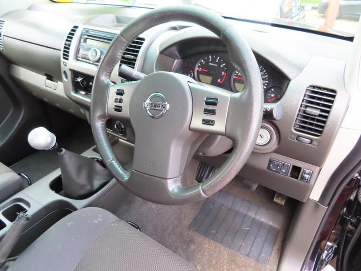 NISSAN NAVARA ST D40 ST Utility Dual Cab 4dr Man 6sp 4x4 2.5DT