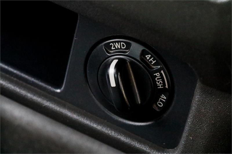 NISSAN NAVARA RX D40 Series 7 RX Utility Dual Cab 4dr Auto 5sp 4x4 2.5DT
